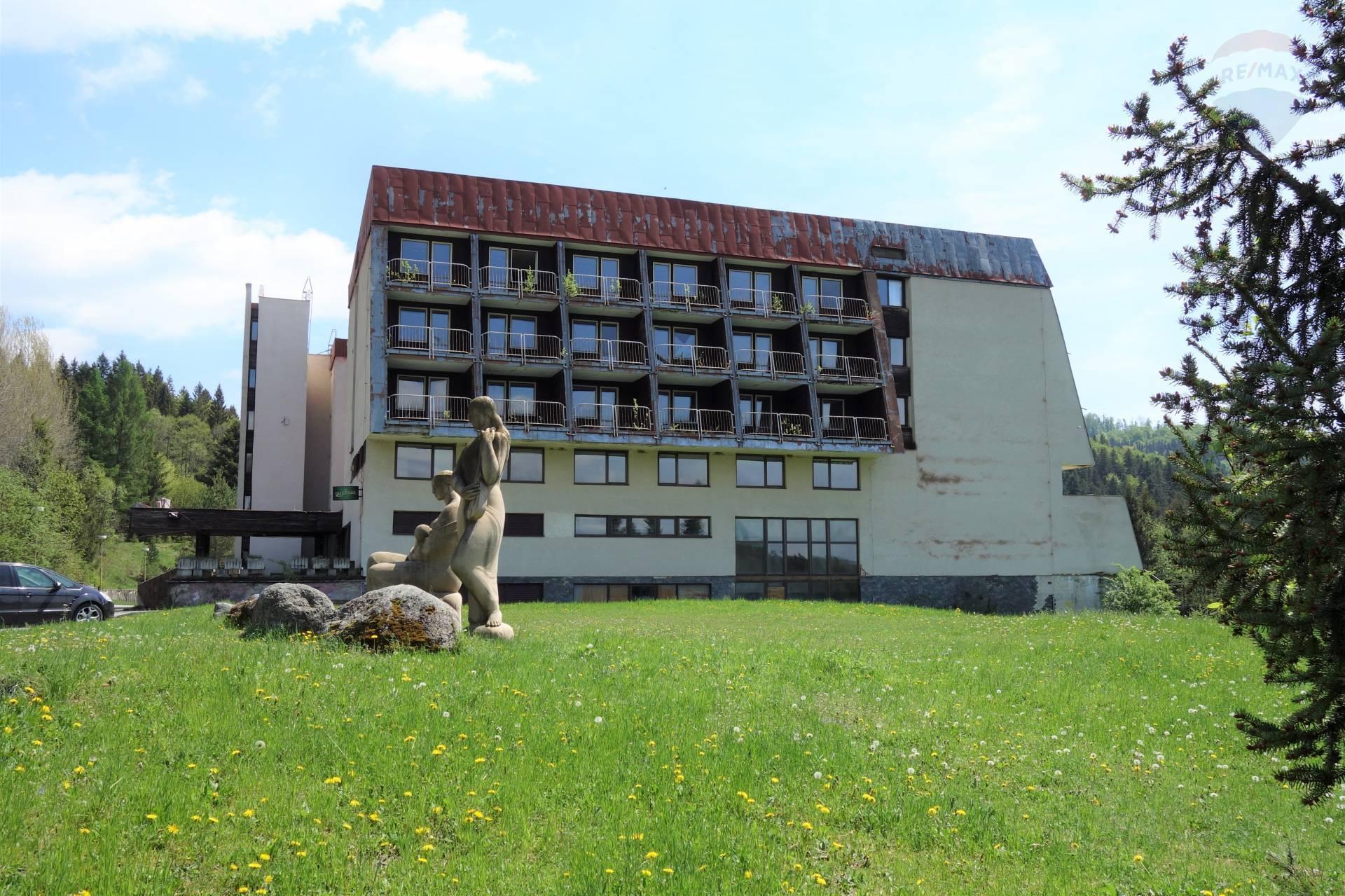 Predaj hotelu 4120 m2, Horná Lehota -