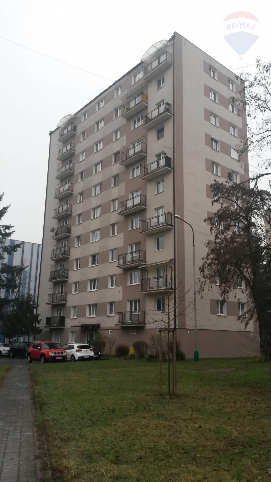 3.izbový byt s balkónom-centrum mesta LC