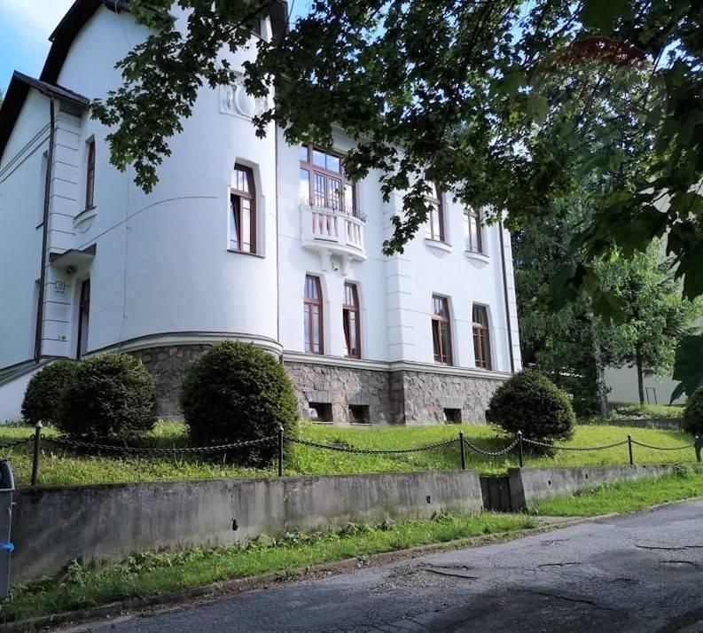 Predaj:  Pekná historická vila