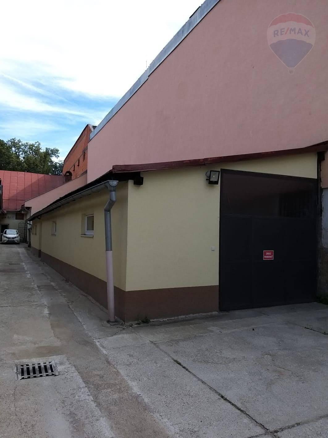 Prenájom: budova na drobnú výrobu, sklad  v meste