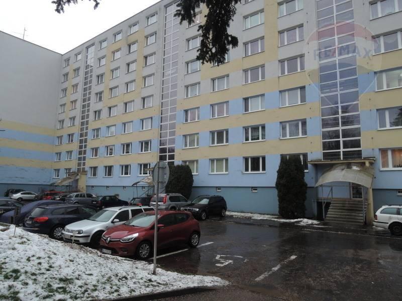 Predaj 1 izbového bytu v Brezne