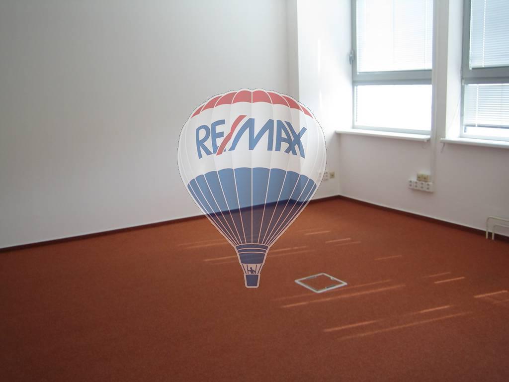 = RE/MAX prenájom kancelárskych priestorov, Trnava
