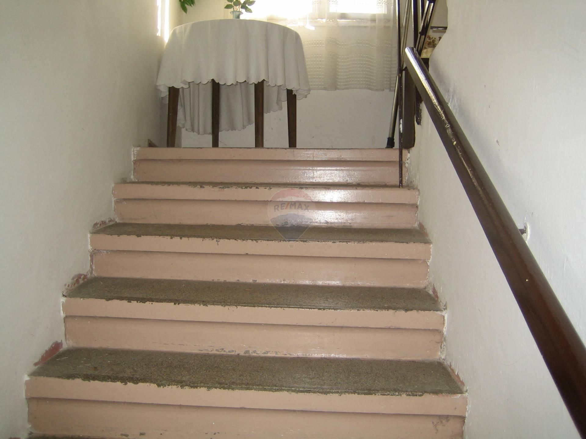 Predaj domu 240 m2, Trnava - schodisko