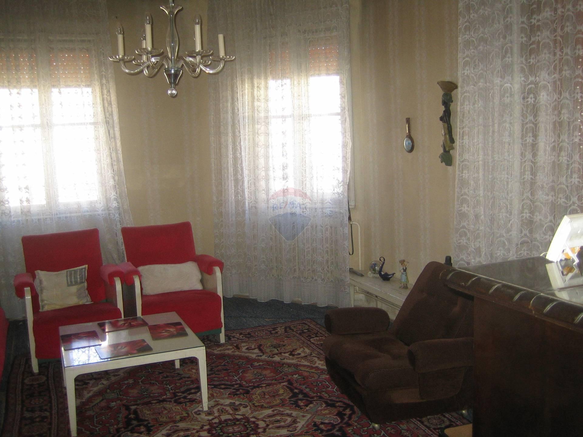 Predaj domu 240 m2, Trnava - obyvačka