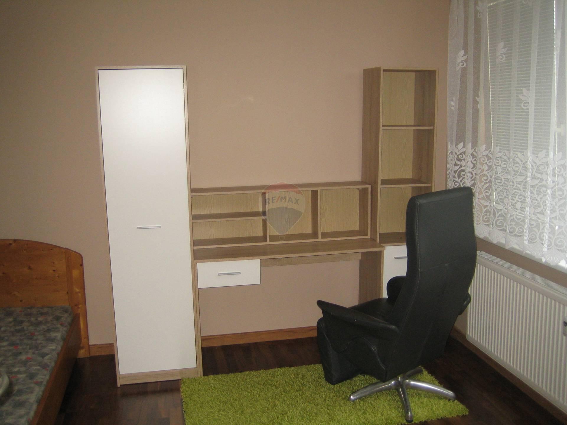 = RE/MAX  = predaj nehnuteľnosti, 3 izbový byt, Trnava