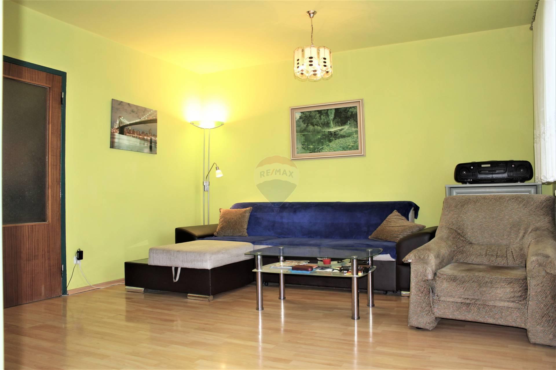 =RE/MAX= Na predaj príjemný 3 izbový byt, bauring, Družba, Clementisova