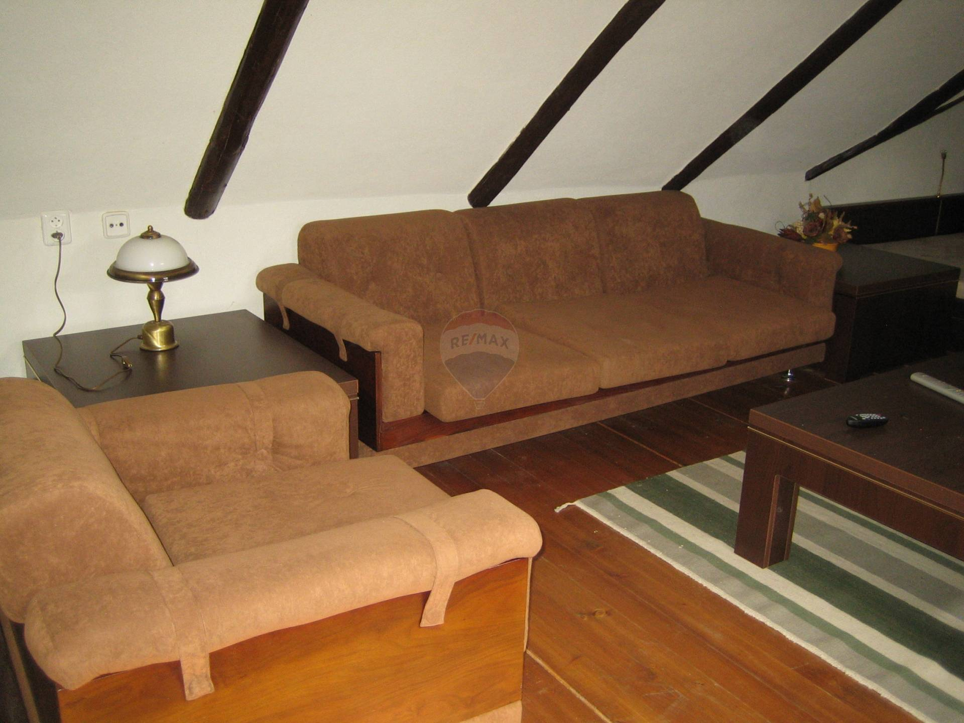 Prenájom bytu (4 izbový) 120 m2, Brestovany - obývačka poschodie