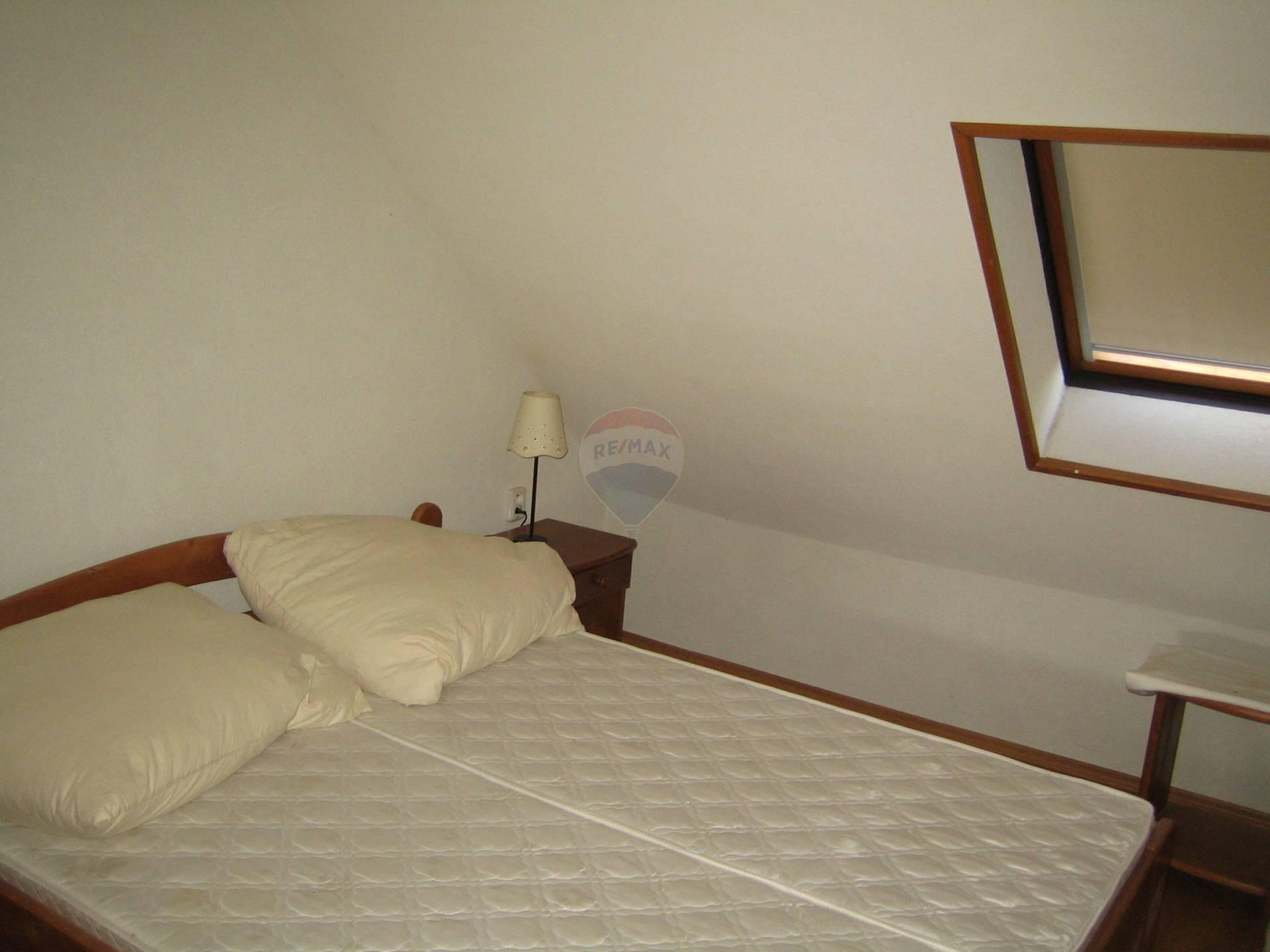Prenájom bytu (4 izbový) 120 m2, Brestovany - izba 1