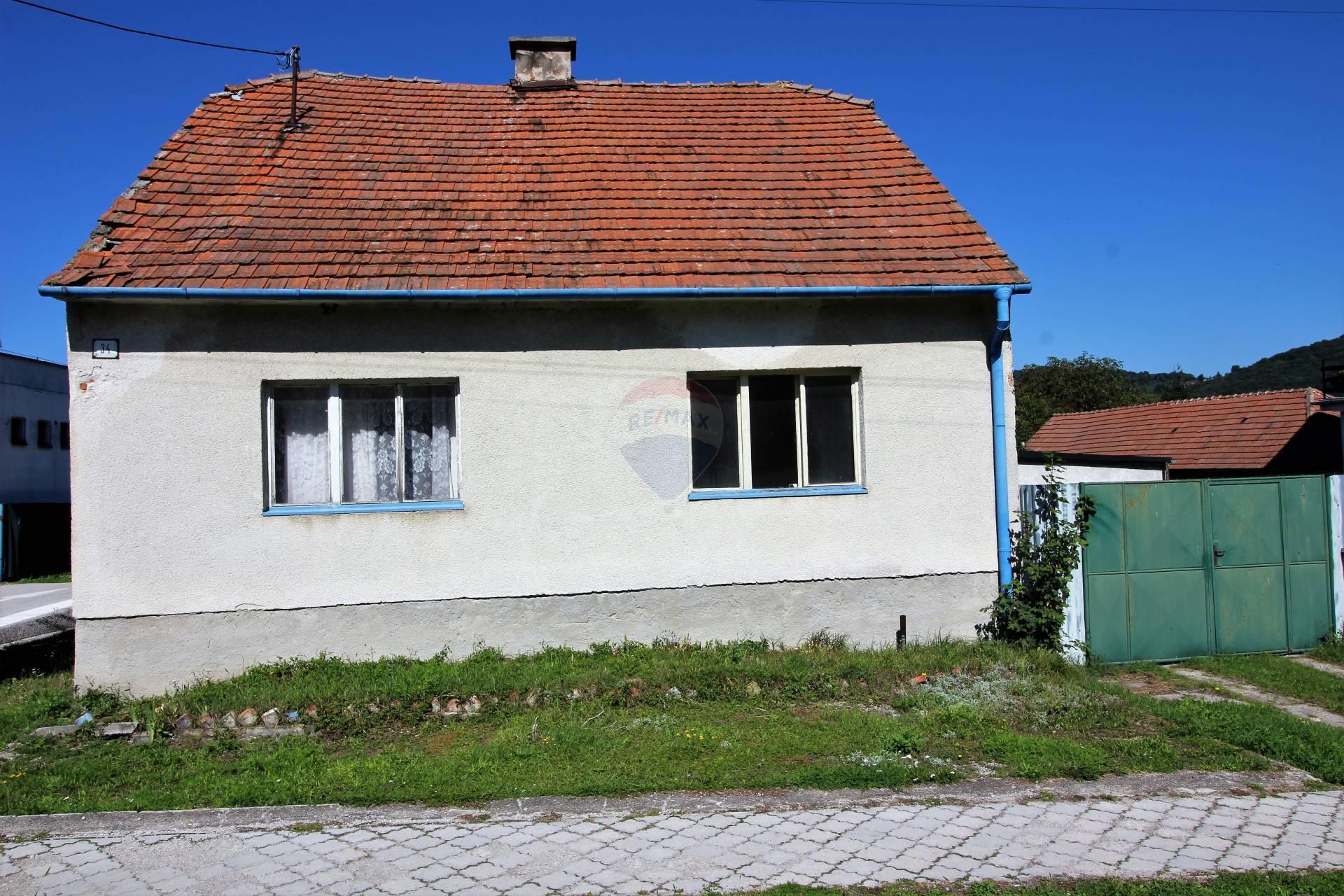 RE/MAX  ponúka na predaj nehnuteľnosť - rodinný dom v obci Buková