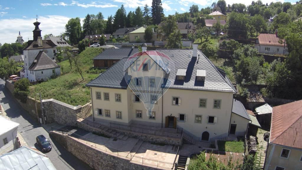 Na predaj exkluzívny historický objekt vhodný na penzión v Banskej Štiavnici, SKVELÁ INVESTÍCIA