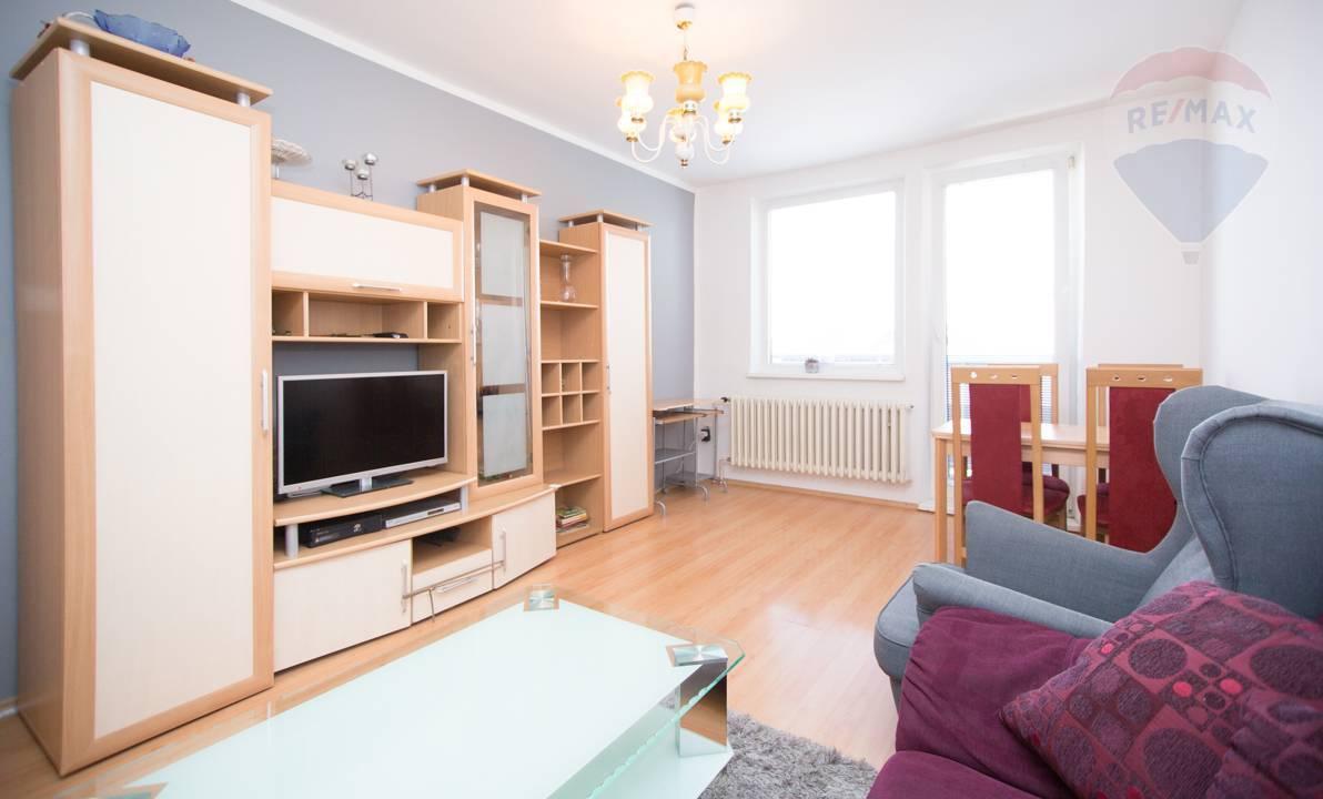 Na predaj 3-izbový byt, Družstevná ul., Most pri Bratislave