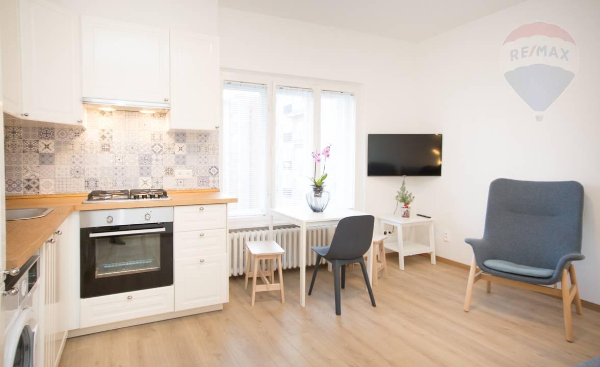 Prenájom bytu (2 izbový) 32 m2, Bratislava - Nové Mesto -