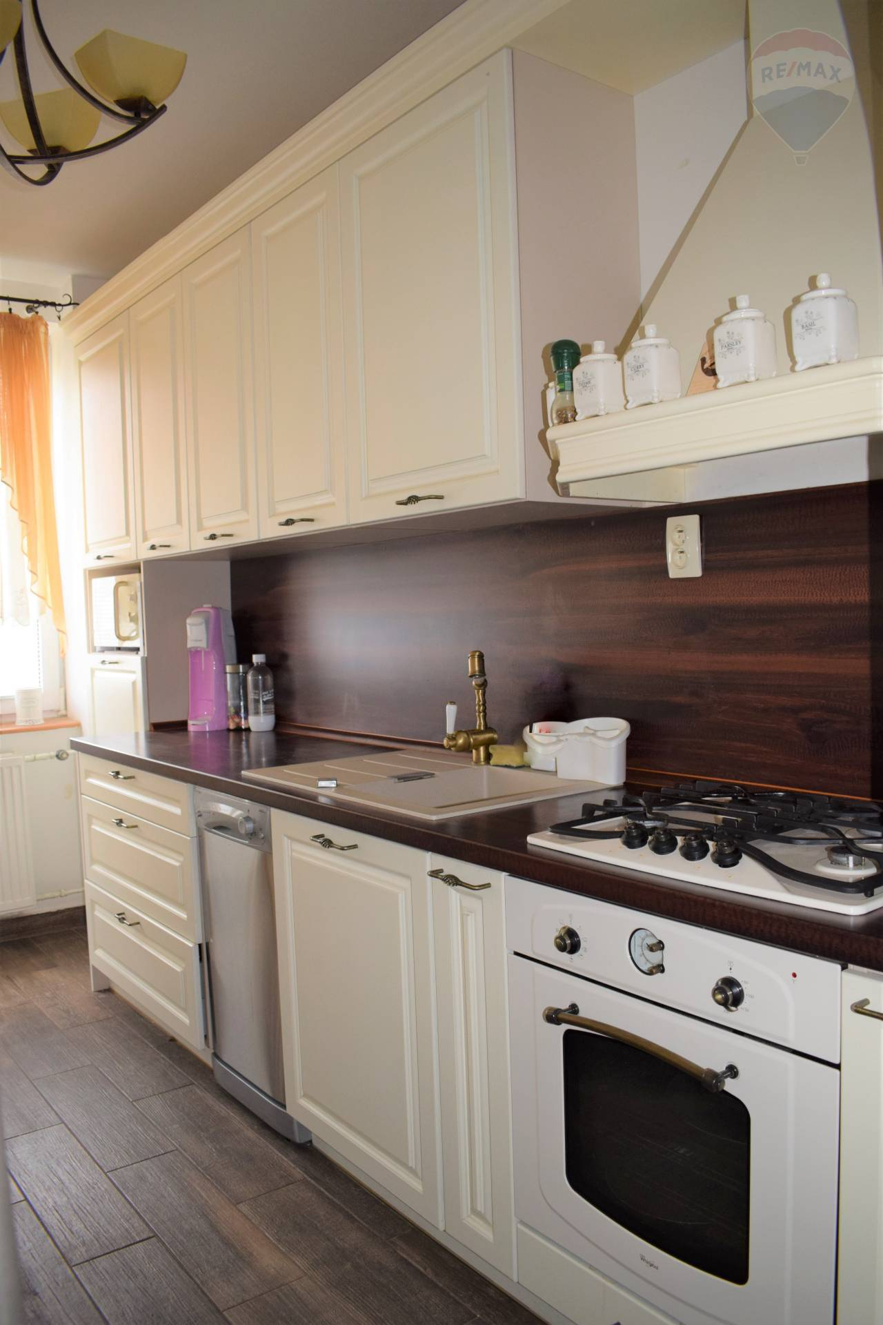 3 izbový byt na ulici Laboreckej v Humennom, na prenájom.