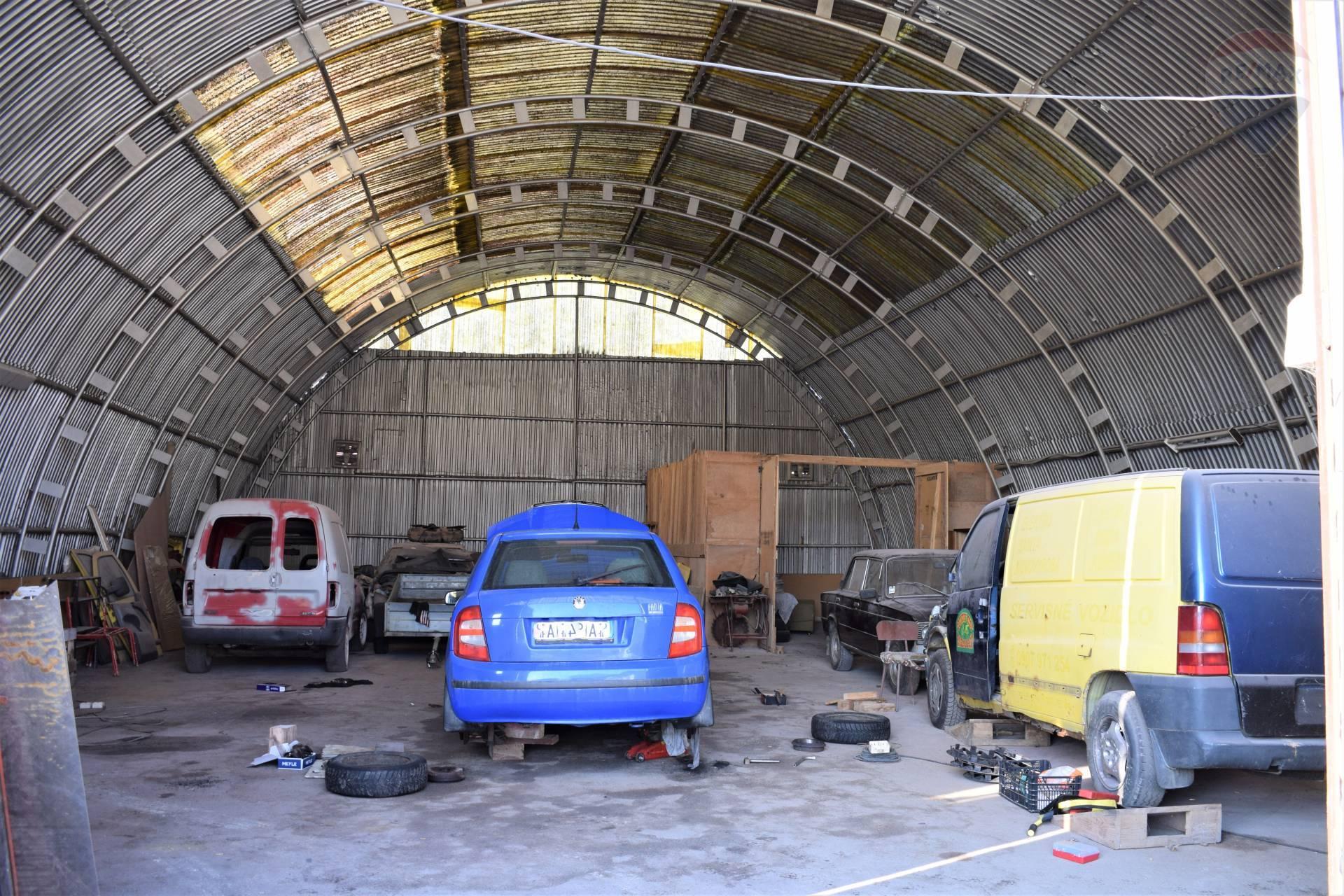 Prenájom komerčného objektu 337 m2, Udavské -