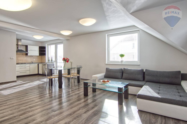 Na prenájom: 3-izbový byt v Stupave