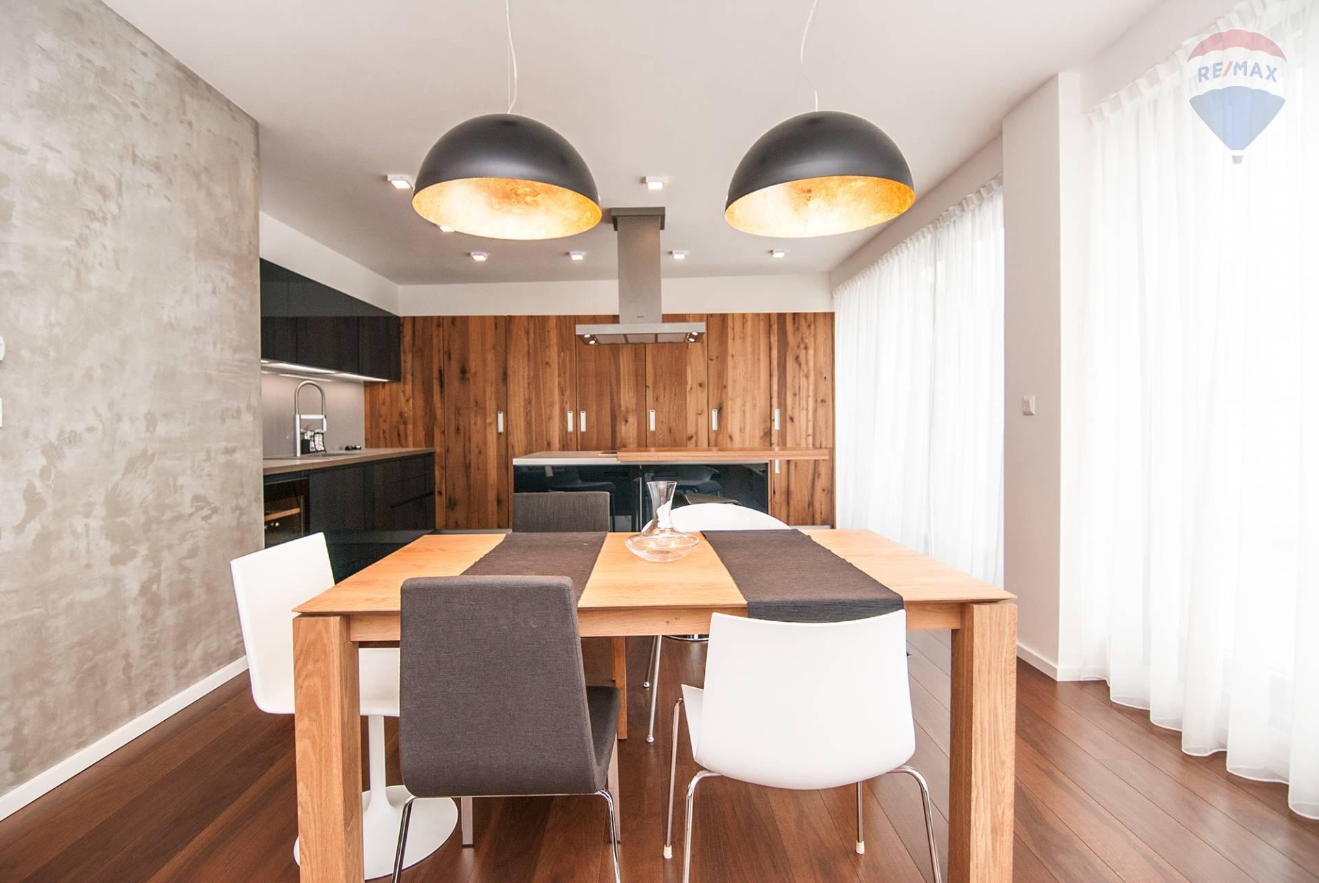 *** Na prenájom *** luxusný 3-izbový byt v novostavbe s terasou v Starom Meste