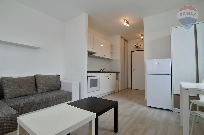 Na prenájom zariadený 1-izbový byt na Štúrovej ulici v Malackách.