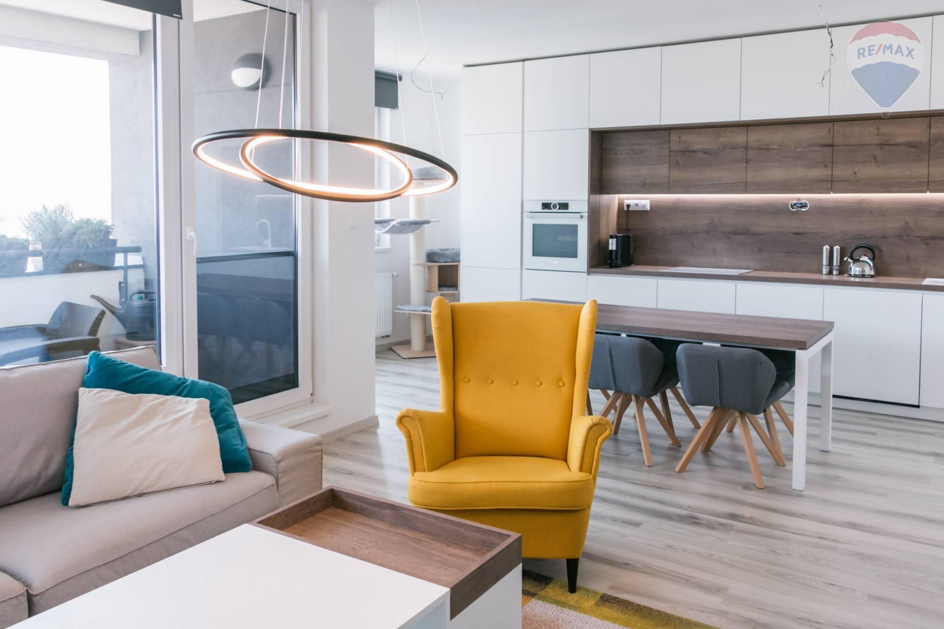 *** NA PREDAJ *** krásny 3 izbový byt v novostavbe, terasa, loggia, parkovanie