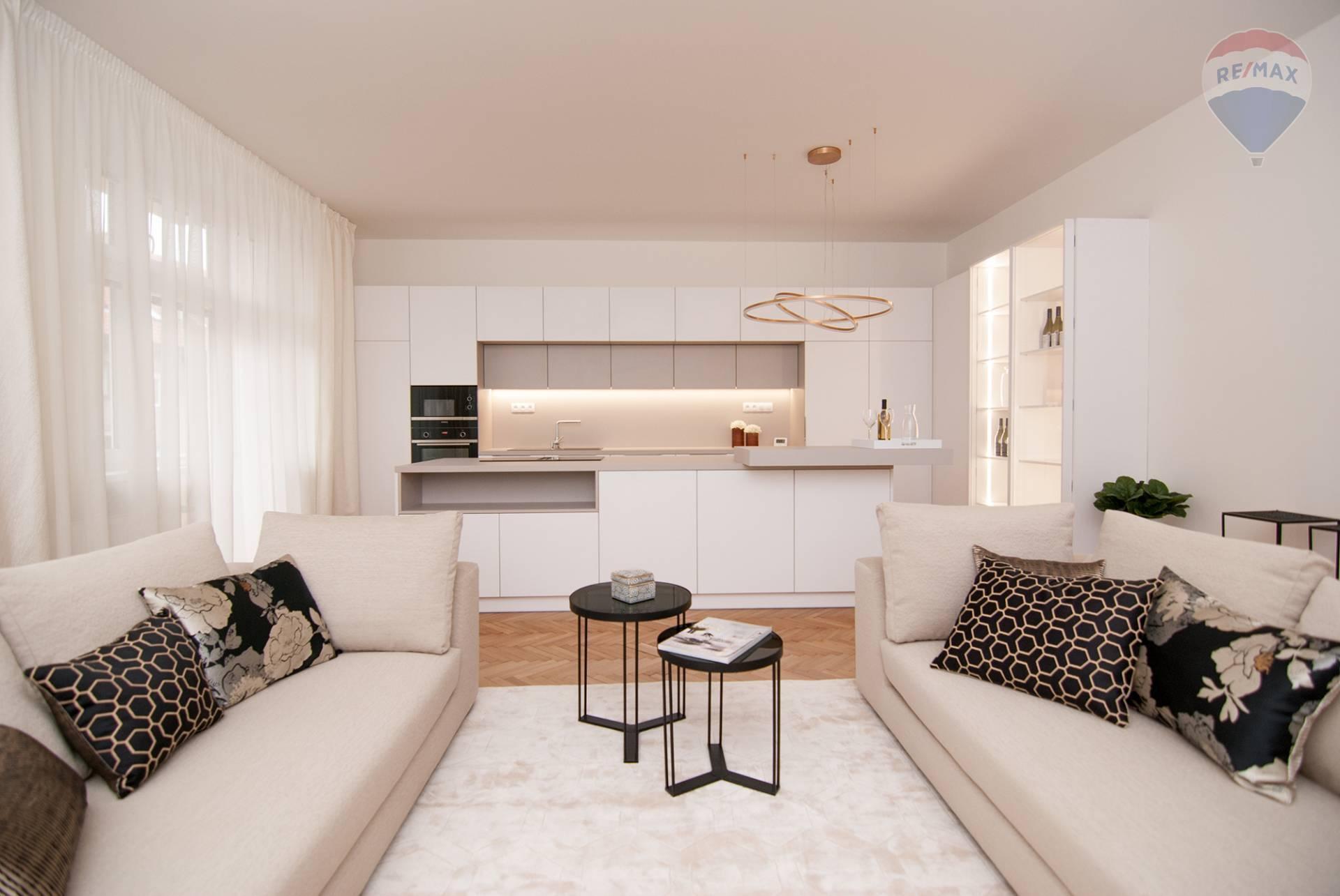 JEDINEČNÝ, veľkometrážny 3izb. byt, po komplet luxusnej rekonštrukcii, doposiaľ neobývany, 2x balkón