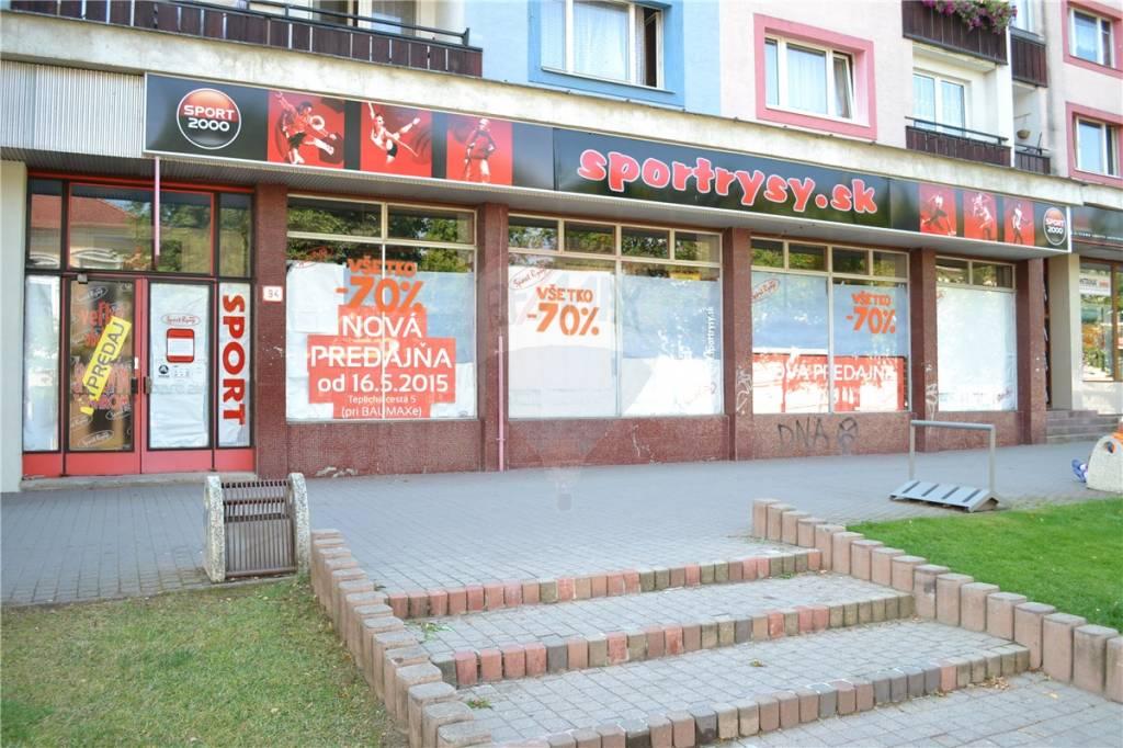 Prenájom komerčného priestoru 228 m2, Poprad - Prenájom obchodný priestor, Nám. sv. Egídia, centrum Poprad, pešia zóna