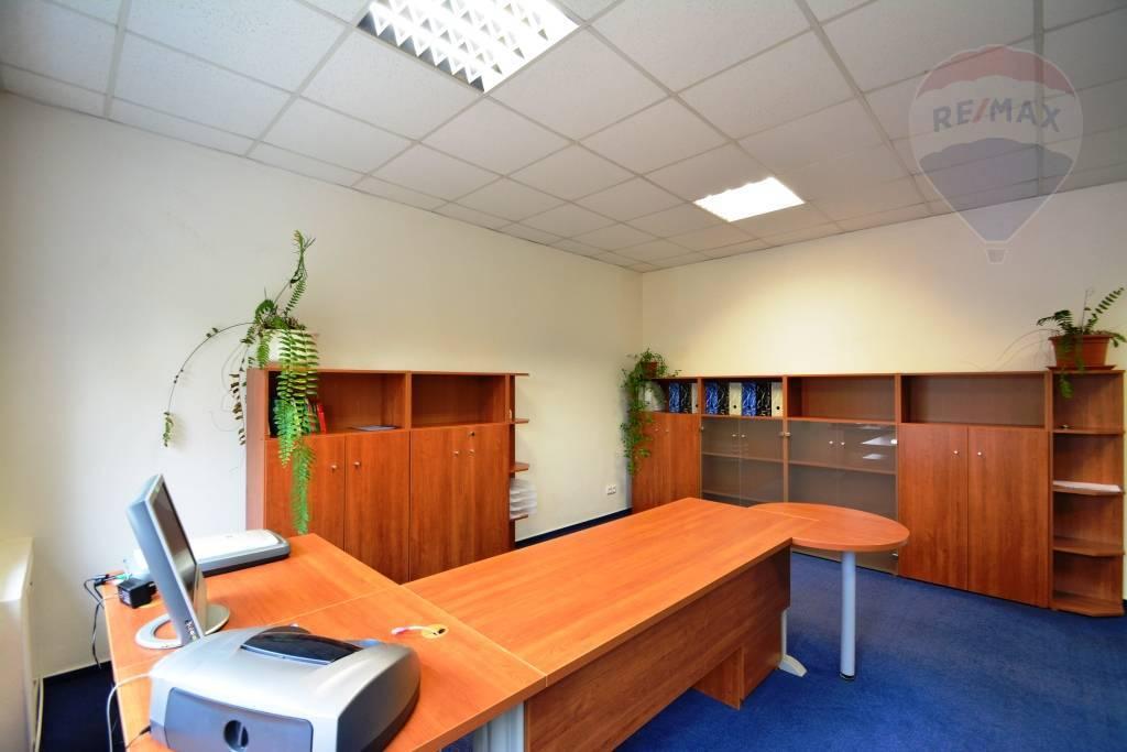 Na prenájom kancelárske priestory Veľký Slavkov, okres Poprad