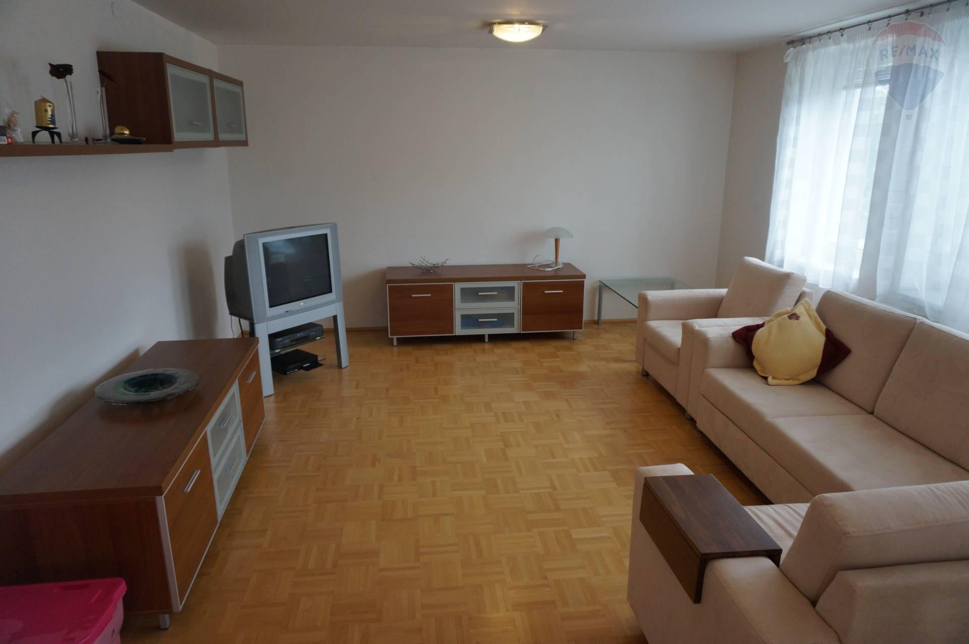 Na prenájom 2 izbový byt Svit, Podskalka