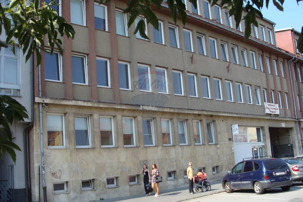Kancelárske a skúšobné priestory na prenájom, Prešov