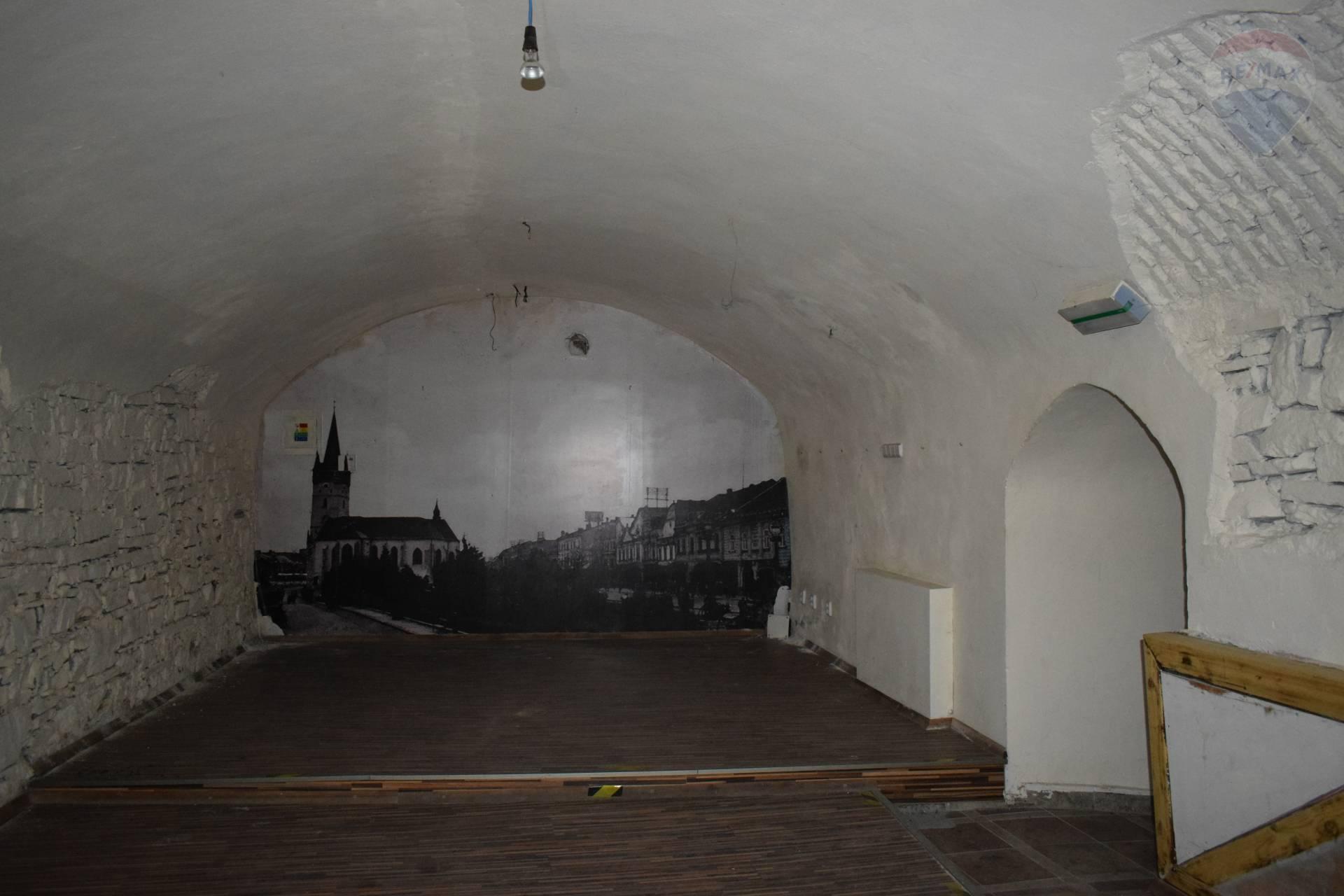 Prenájom pivničné priestory 124 m2 v Prešove
