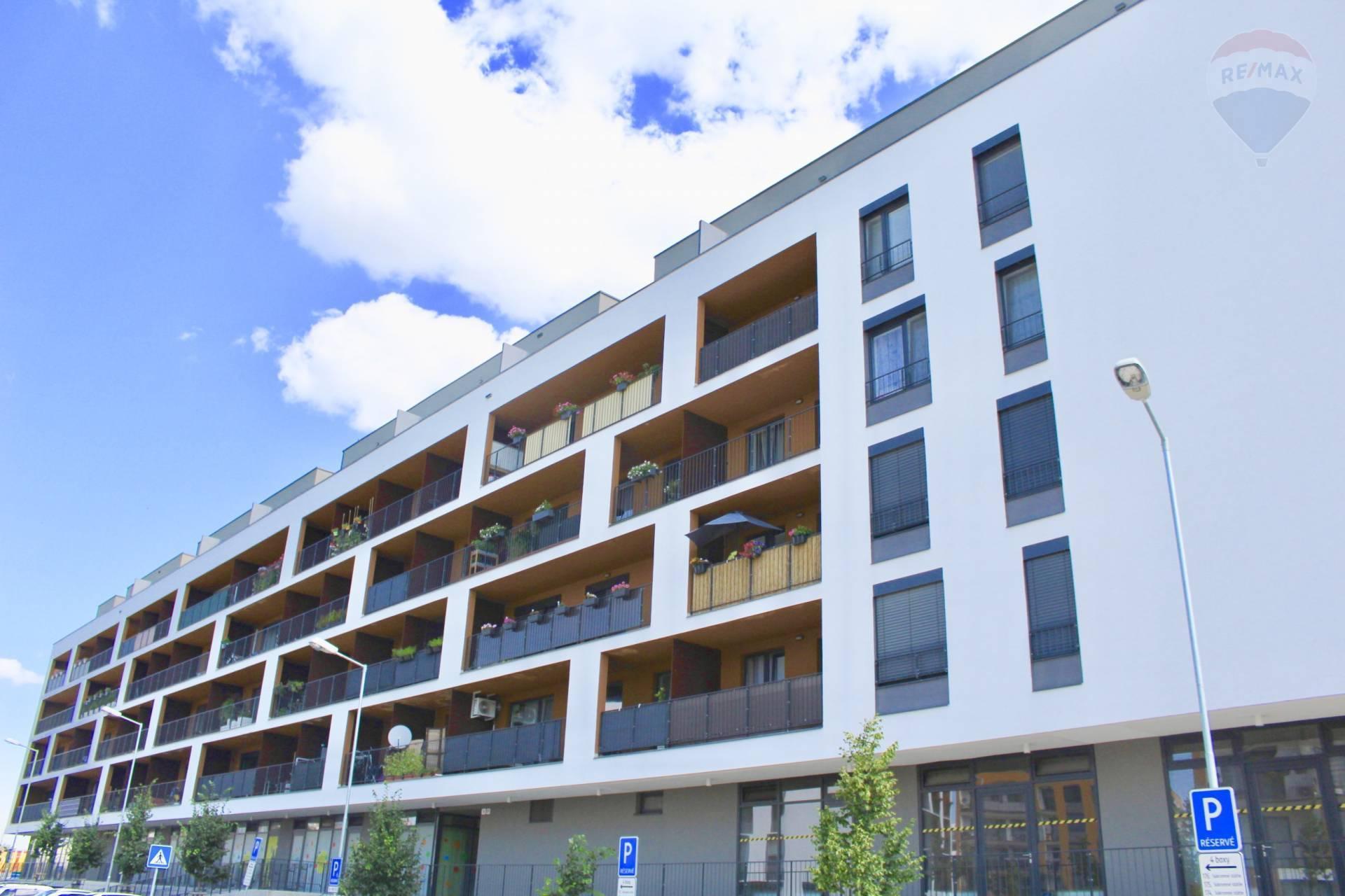 Predaj bytu (1 izbový) 40,63 m², s parkovacím státim Bratislava - Petržalka