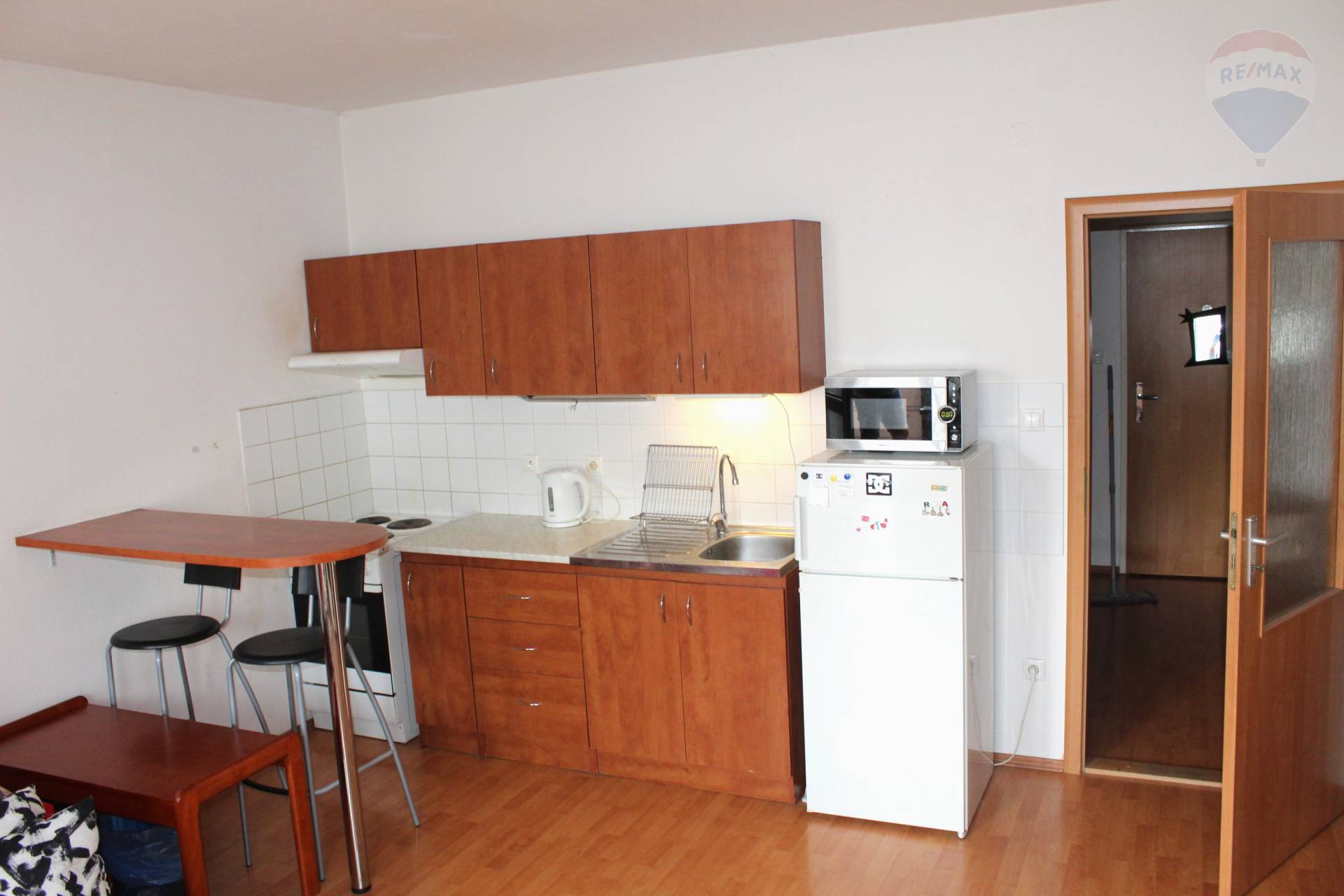 Predaj bytu (1 izbový) 38 m2, Bratislava - Petržalka -
