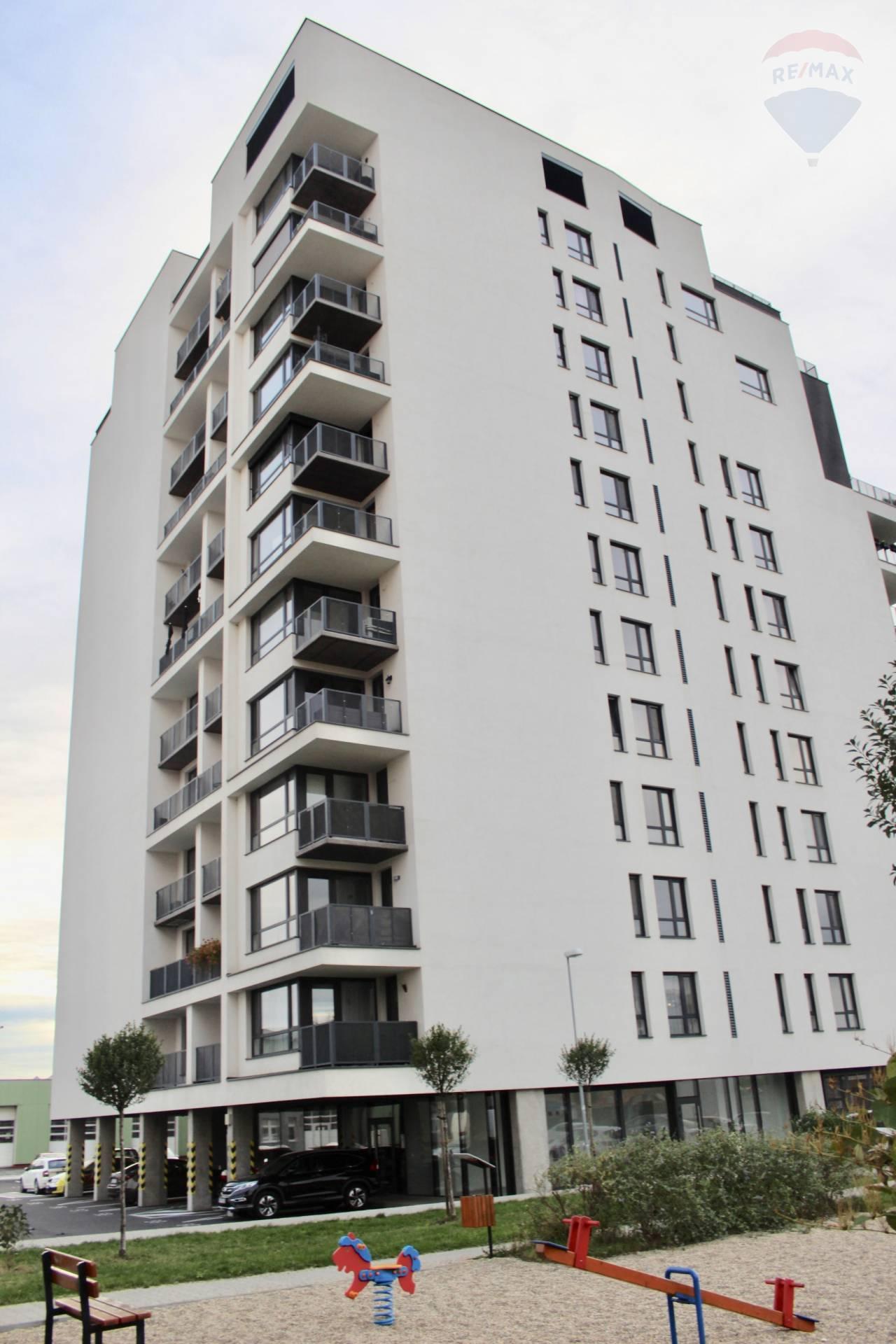 Na prenájom 2-izbový byt v Petržalke, novostavba, loggia, cena vrátane všetkých energií