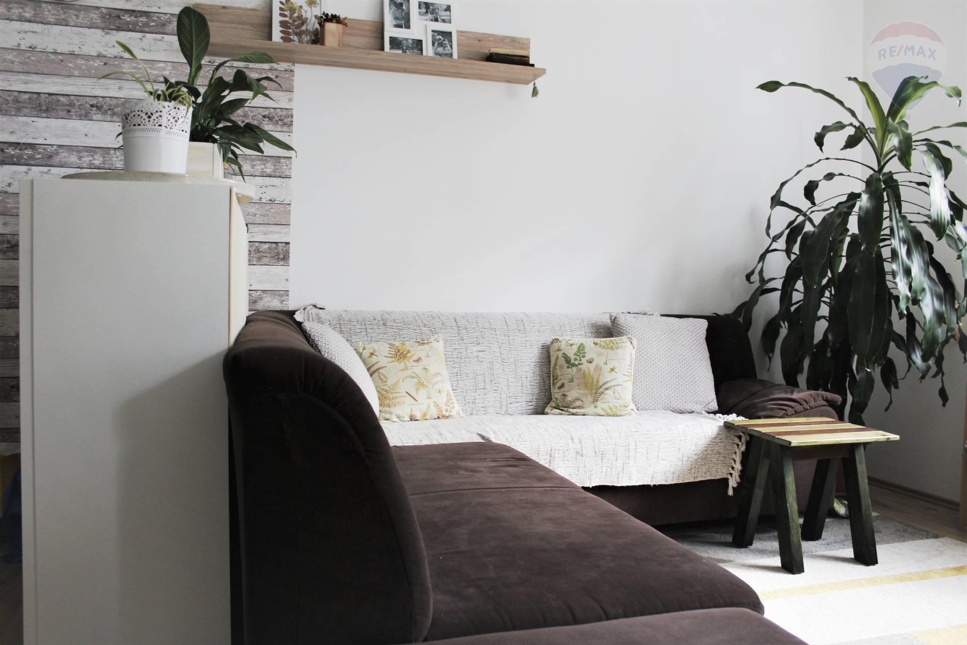 Prenájom, 3-izbový byt v novostavbe v Rajke s Balkónom, kompletne zariadený