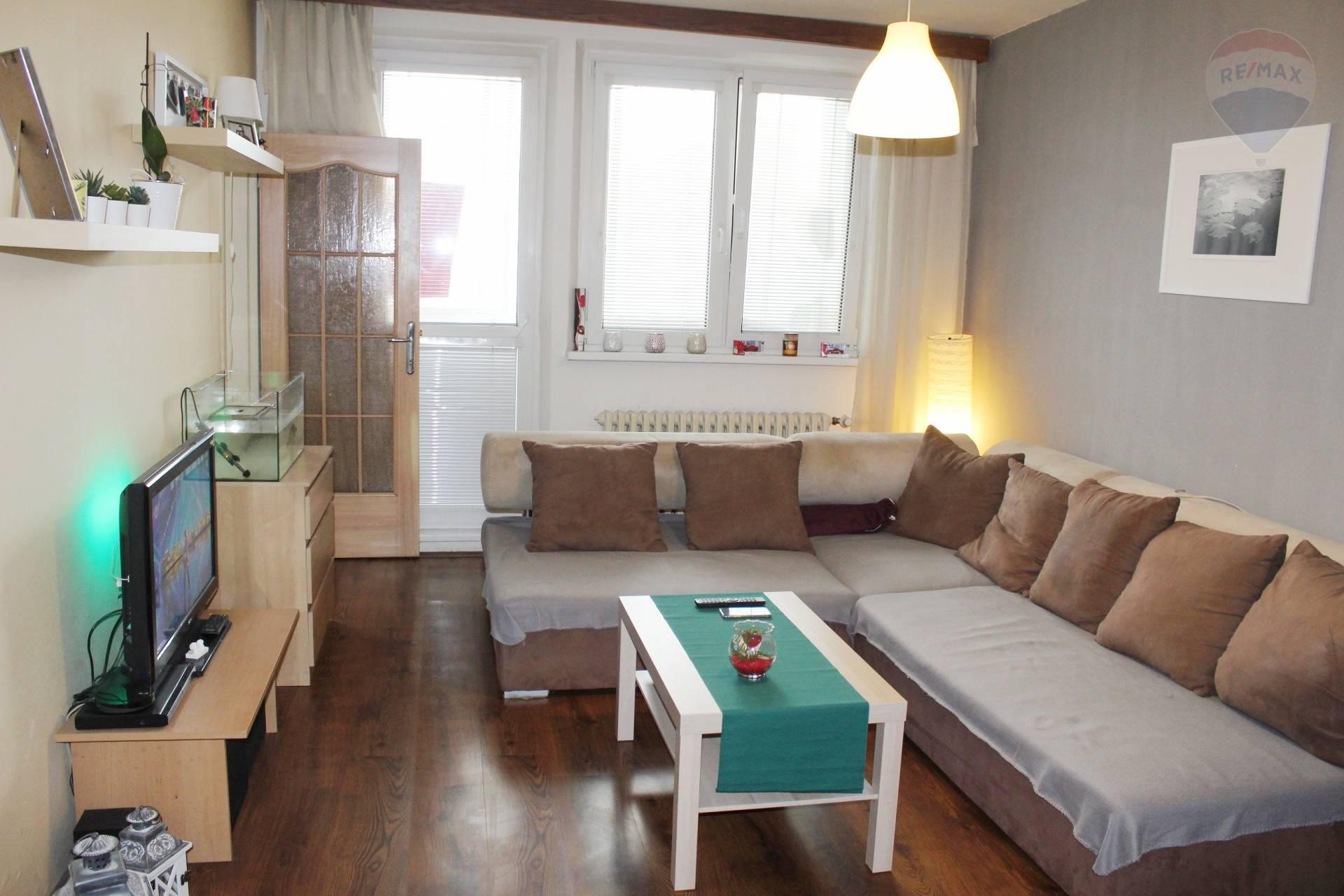 Predaj, 3-izbový byt na začiatku Petržalky (69 m2) s loggiou