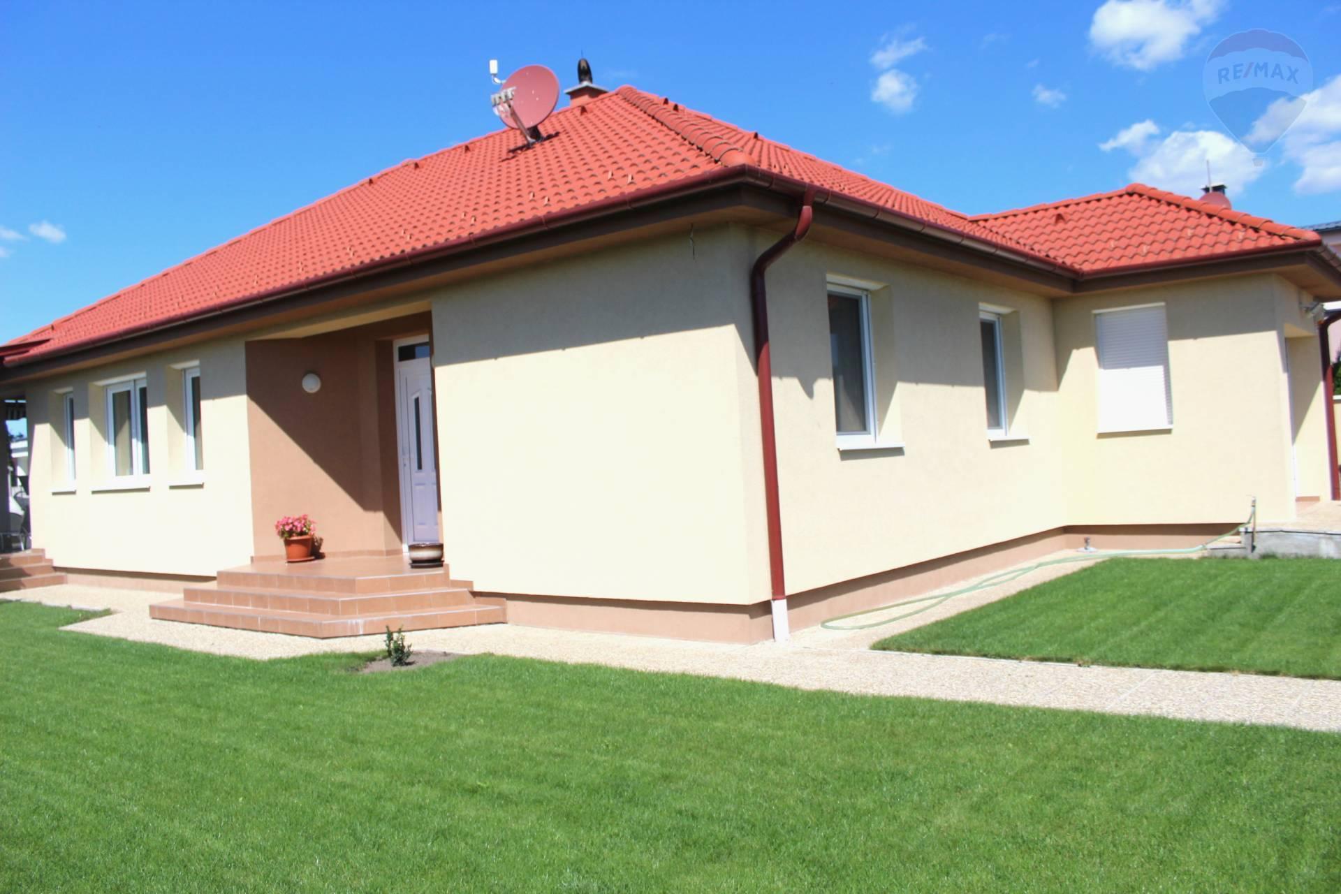 Predaj priestranný 4 izb. RD s garážou v príjemnej lokalite Rajky