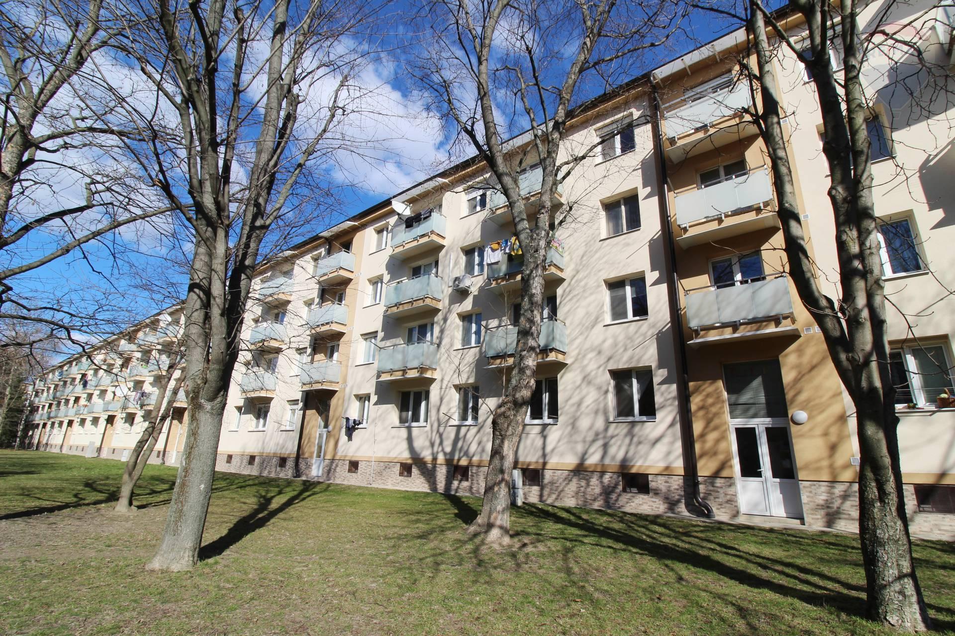 Predaj, 3-izbový byt (65 m2), s balkónom, zariadený, Ružinov