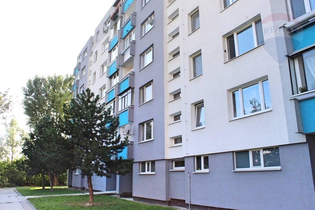 Prenájom 1 izbový byt v Rači 37m2 s loggiou, Pri Šajbách