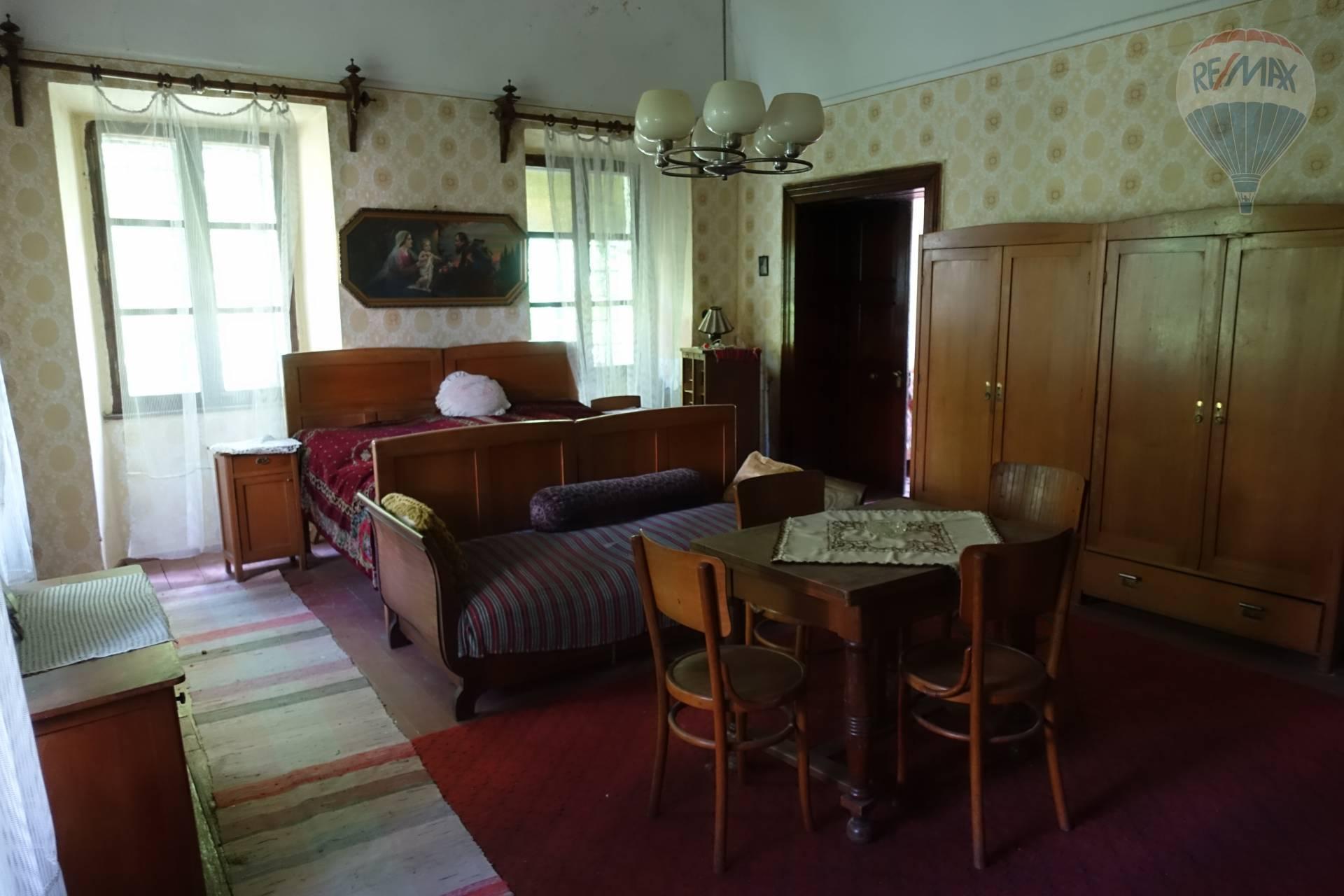 Predaj historického objektu 1500 m2, Hajnáčka -