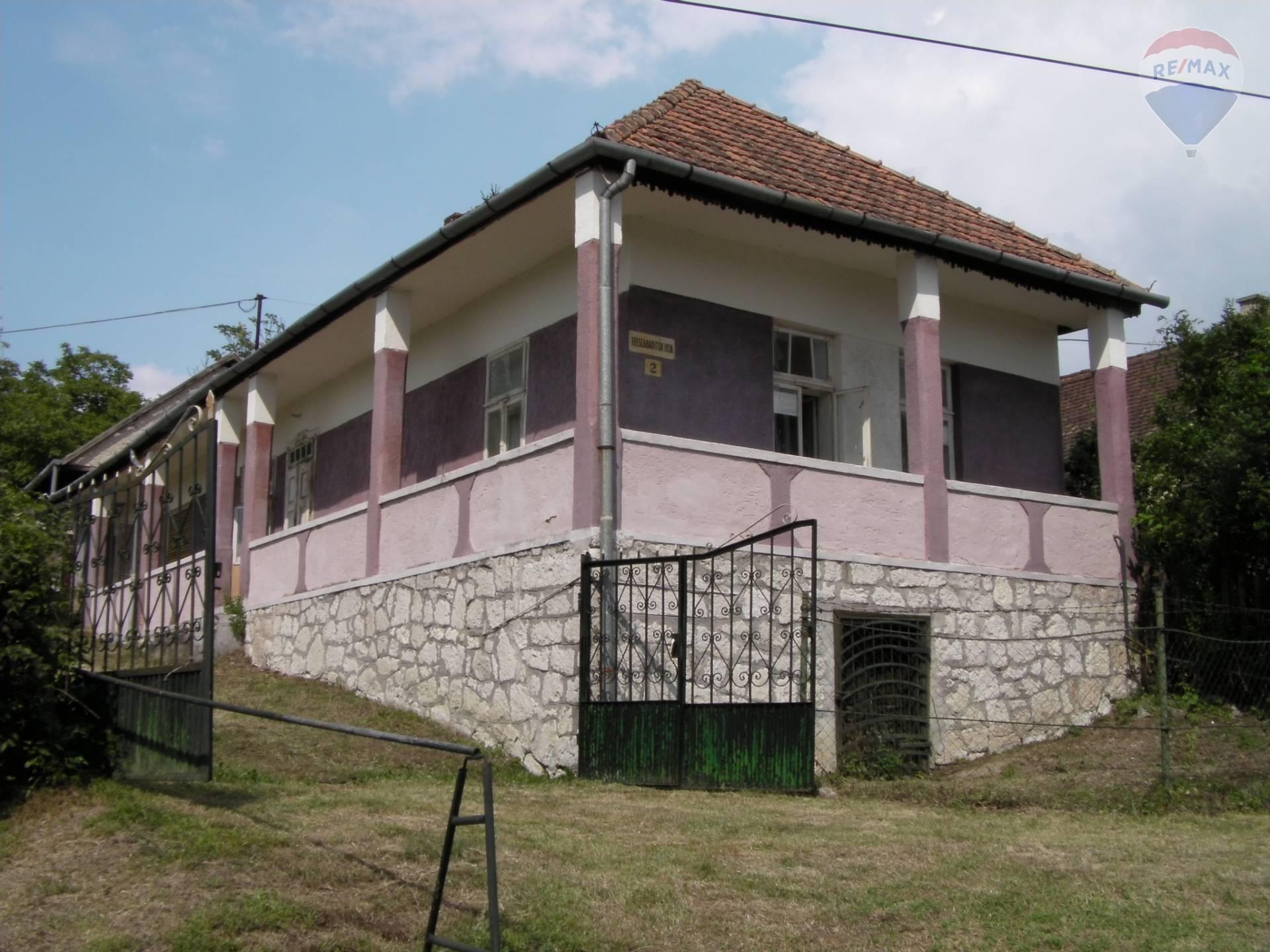 Rodinný dom ako aj chalupa v obci Füzérkajata
