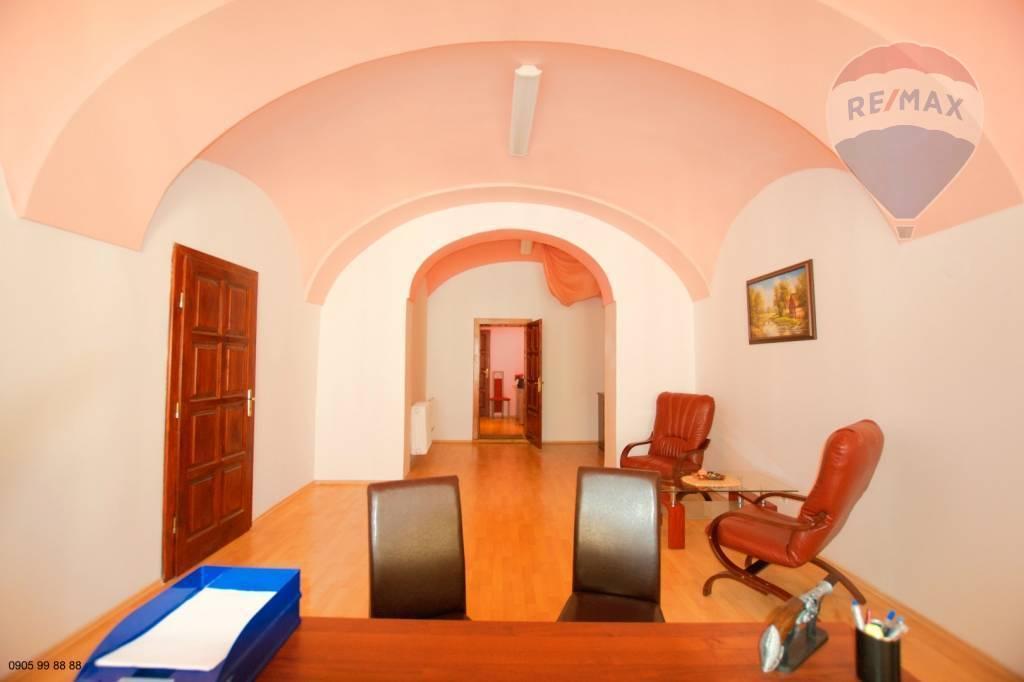 Na prenájom: kancelárske priestory, 117m2, Mäsiarska ulica, centrum