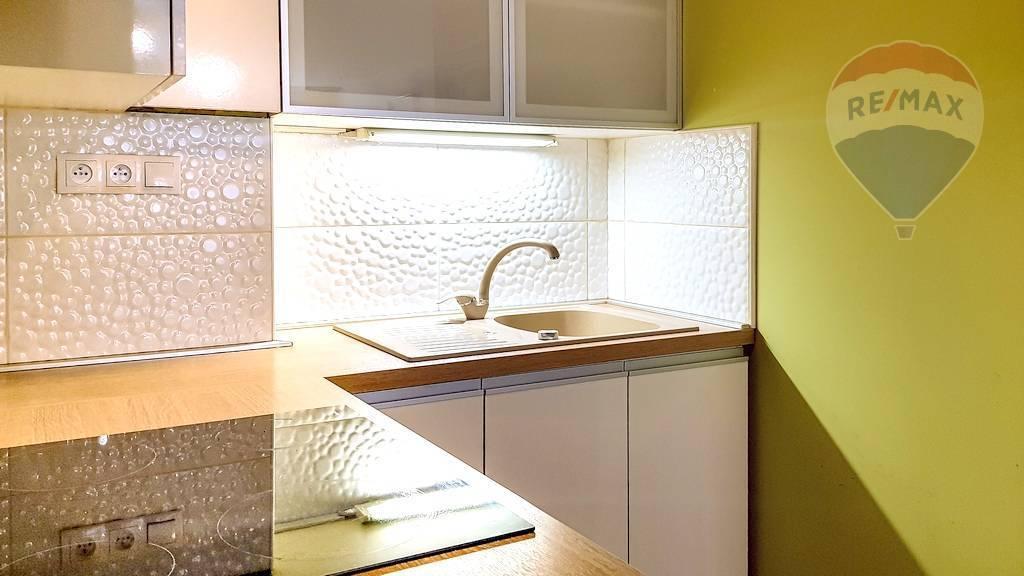 Pekný 2-izbový byt s logiou, novostavba, Považská ulica, pri OC Galéria