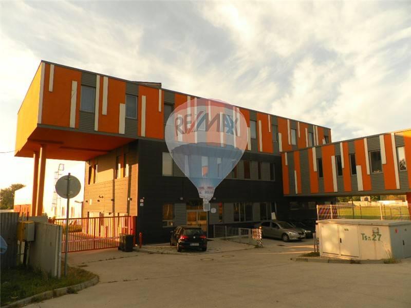 PREDAJ: VÝROBNÝ AREÁL 7140m2, BRATISLAVA – Ivánka pri Dunaji, HALA + Administratíva + Ubytovanie