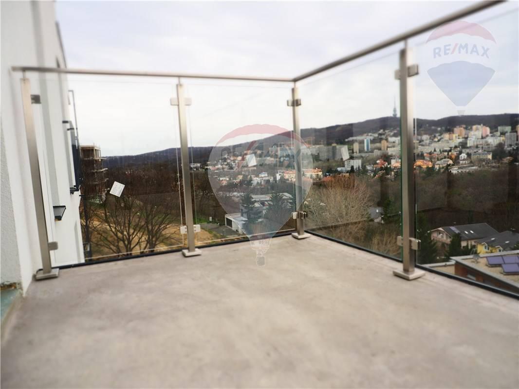 Predaj bytu (5 izbový a väčší) 150 m2, Bratislava - Staré Mesto -