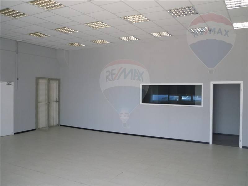 Prenájom skladové priestory od 20 m2, 50 m2 až do 300 m2 prip skaldove mini bunky