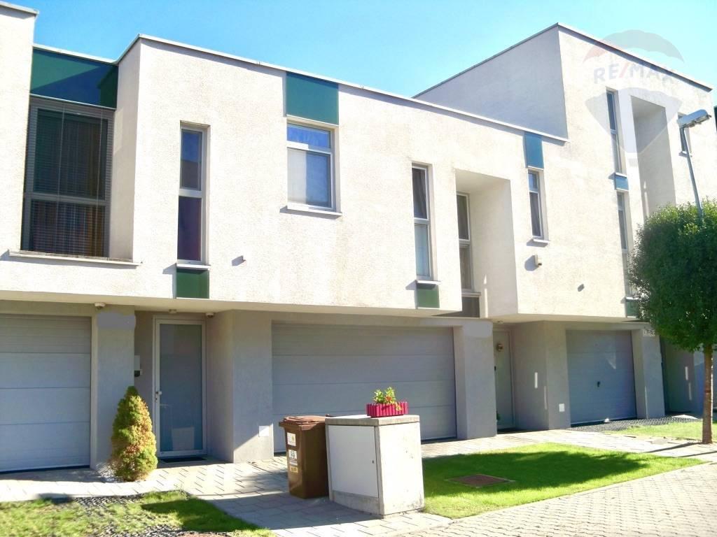 PRENÁJOM: 4 izby, Rodinný dom 140m2, pozemok 178 m2, Slanec, Bratislava-Nové Mesto, Vinohrady