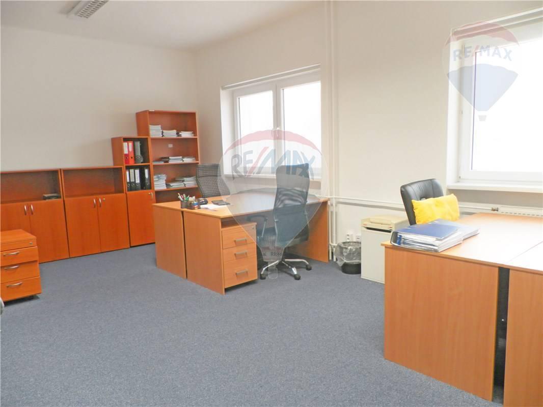 PRENÁJOM: Kancelárske priestory, kompletne zrekonštruované a zariadené