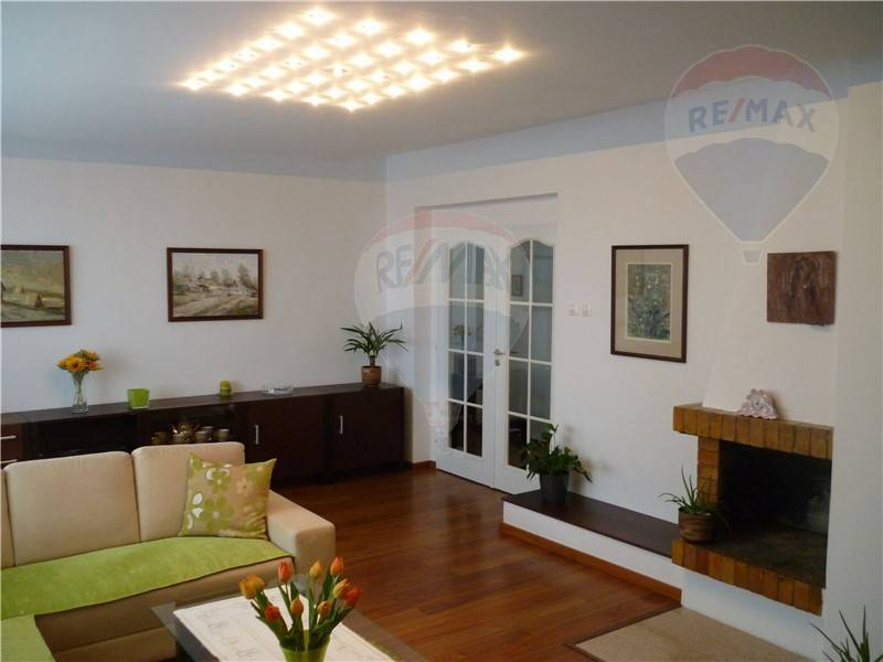Ponúkame na prenájom zariadený byt 120 m2, Bratislava - Nové Mesto