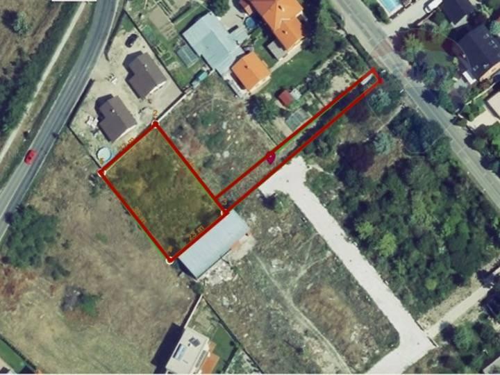 Predaj pozemku 824 m2, Chorvátsky Grob - Pozemok 824 m2 + pristupova cesta