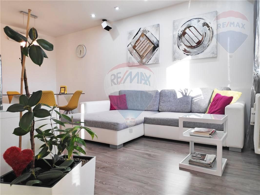 REZERVOVANÝ: 4-izbový byt po kvalitnej rekonštrukcii, loggia, pivnica, 81m2, Bodrocká ulica