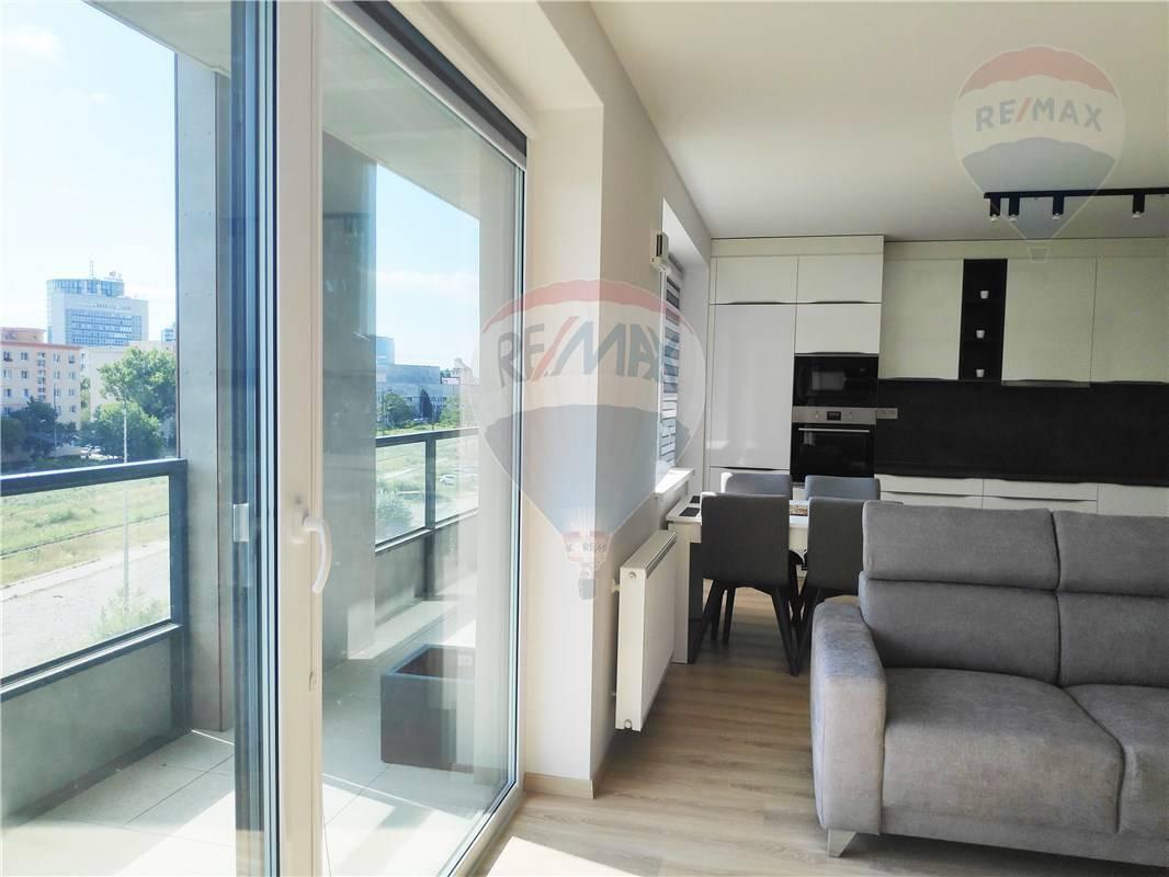 Prenájom bytu (4 izbový) 97 m2, Bratislava - Nové Mesto -
