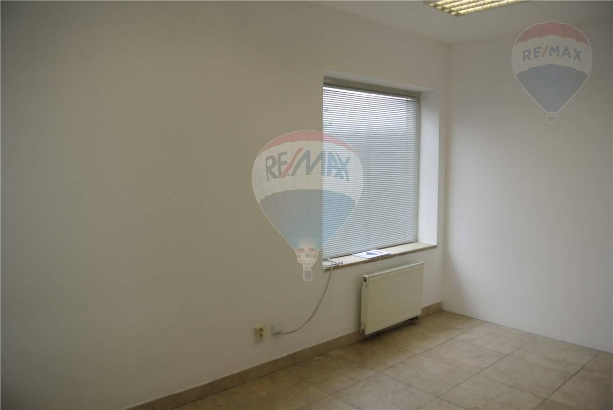 Na prenájom klimatizované kancelárske priestory 13 m2 Bratislava
